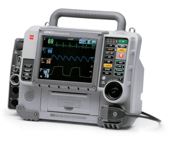 Defibrillatore manuale